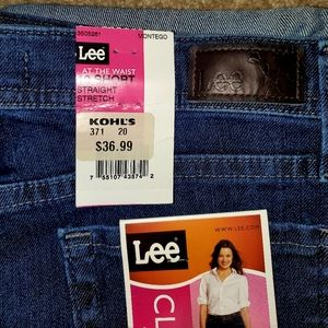 Women's size 12 Lee Straight Jeans NWT